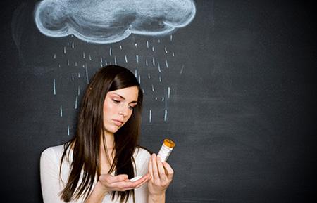 Скачки атмосферного давления негативно действуют на тонус бронхов. Также у людей, страдающих бронхиальной астмой, усиливается спазм бронхов.