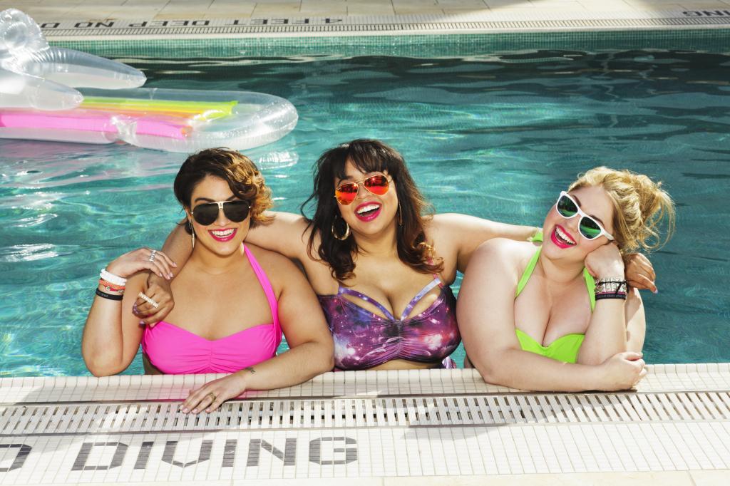Как выбрать купальник полным девушкам