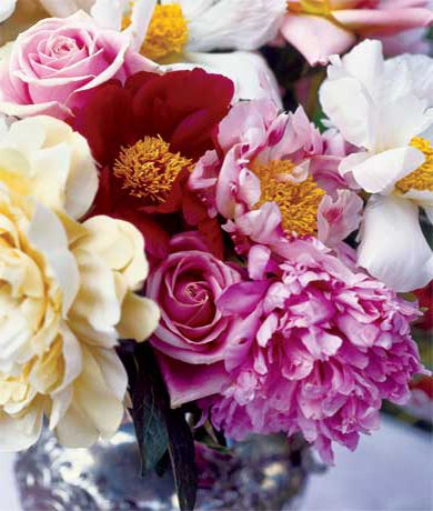 Используйте большие роскошные цветы, вроде пионов