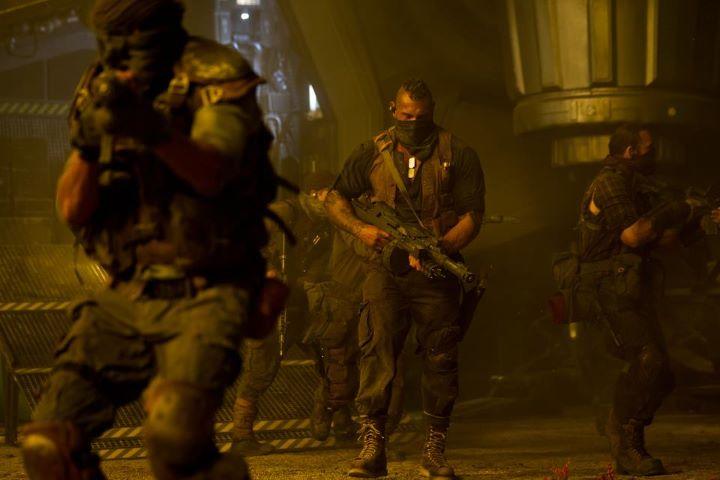 фильм «Риддик 3» (Riddick) 2013, осень, кадр из фильма, охотники за головами