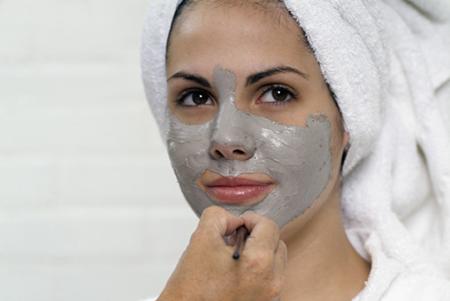 Летом как можно чаще используйте очищающие маски