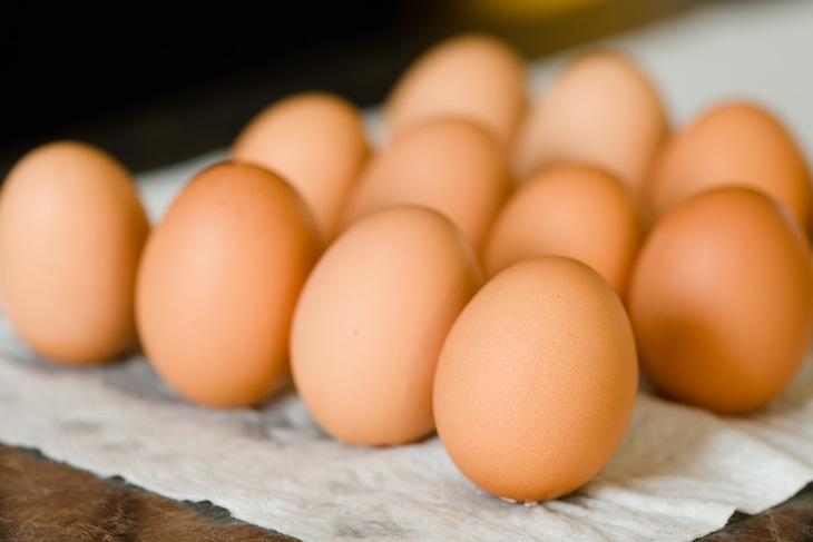 Как запечь кекс в яичной скорлупе