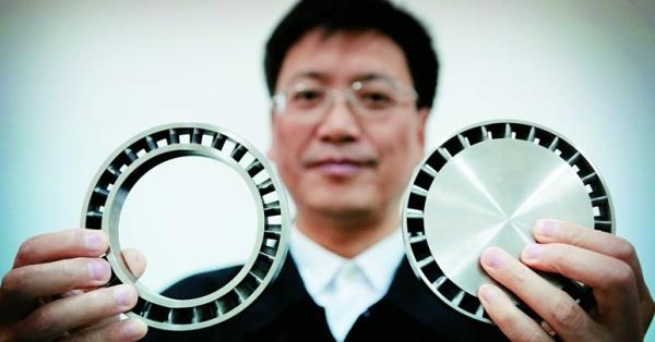 металлическая деталь, сделанная на 3D принтере, анонсированном японцами