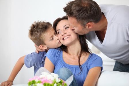 Как сделать подарок на 8 марта, который порадует любую женщину