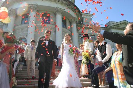 85 процентов женщин в данной категории достигли 10-ти летнего рубежа в браке; 71 процент мужчин, которые были помолвлены во время сожительства, добрались до той же отметки