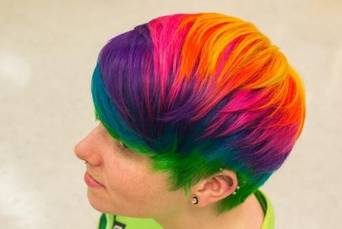 Как выглядит новый летний тренд в окрашивании волос «Sand Art Hair»