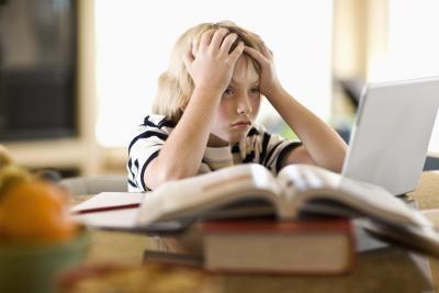 неспособность на должной скорости воспринимать школьный материал