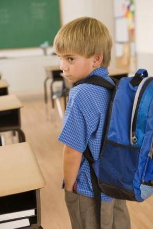 Дети, пережившие отрицательный опыт и стрессовые ситуации, более подвержены риску развития у них неуверенности в себе