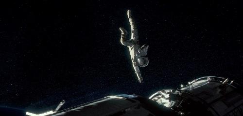 «Гравитация» (Gravity) фантастический космический фильм осени 2013 кадр из фильма корабль космос астронафт