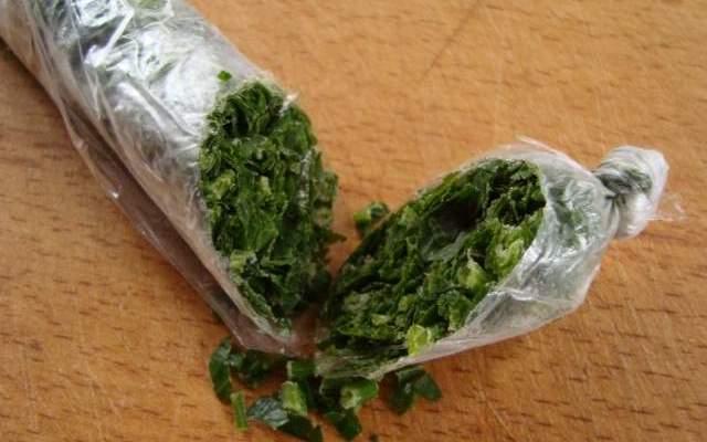 Как правильно заготовить зелень на зиму