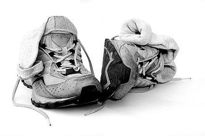Тщательно исследуйте подошву ваших старых кроссовок для бега