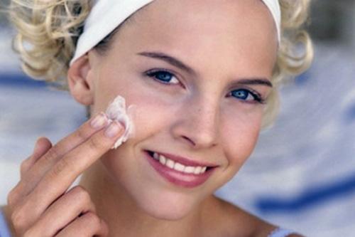 Схема ухода за кожей лица проста: летом мы старательно увлажняем кожу, а зимой насыщаем питательными...
