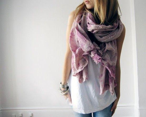 Как и с чем носить летние шарфы