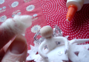 """Как сделать елочную игрушку """"фея-Снежинка"""" в стиле Kristin La Flamme"""