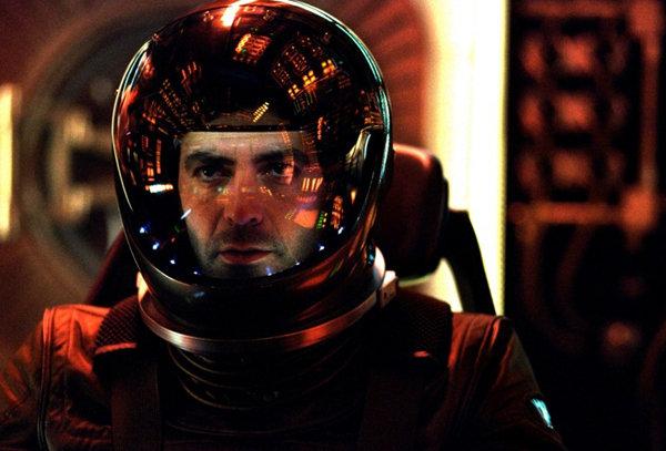 «Гравитация» (Gravity) фантастический космический фильм осени 2013 Джордж Клуни кадр из фильма