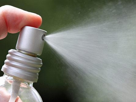 Как использовать эфирные масла вместо бытовой химии при уборке