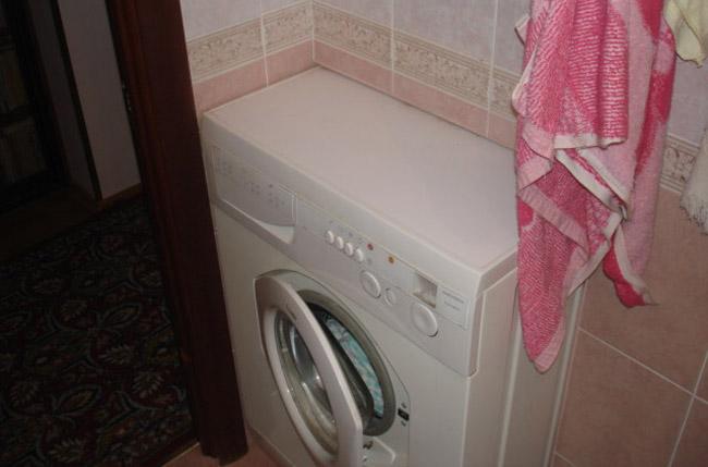 Описание: E:\Текущие проекты\Сантехника\ССЫЛКИ\Стиральная машина в ванной\stiralnay-mashina-v-stene-licevay-storona.jpg