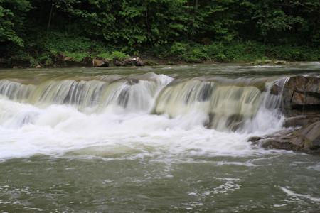 водопад на реке Сукиль