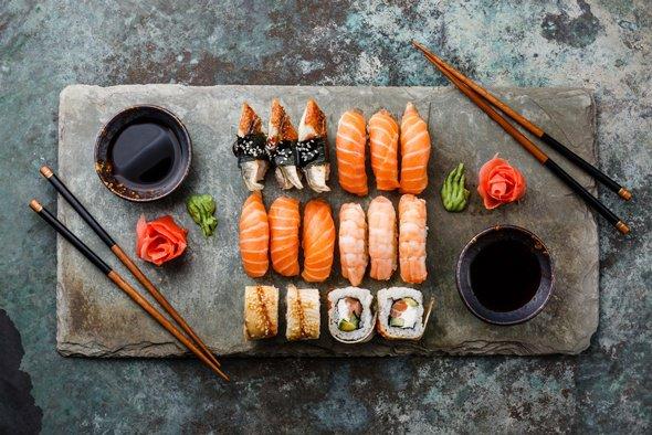 Как готовить суши: особенности любимого лакомства