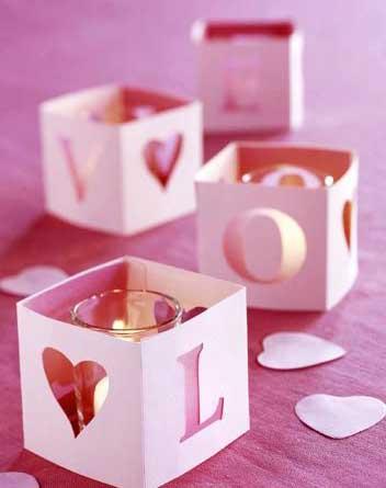 Как порадовать вторую половинку в День Влюбленных, на 23 февраля или 8 марта