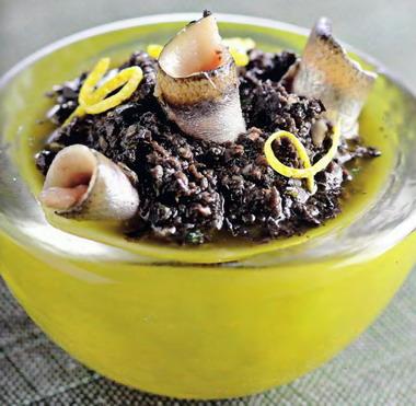 тапенада - паста из черных оливок