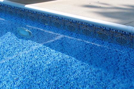Ваш бассейн теряет воду – что делать