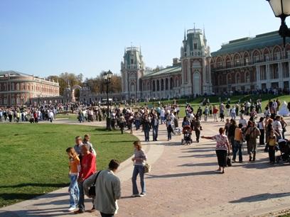Как развлечь в Москве иностранца за 1-2 дня при минимуме денег?
