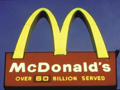 МакДональдс с его «более 99 биллионов обслуженных покупателей»