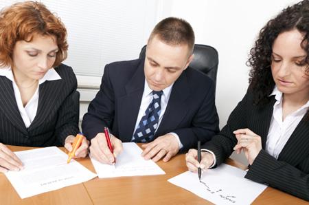 Программа по развитию лидерских качеств включает в себя структурированную деятельность, в которой будущие лидеры смогут научиться, как отчетливо донести свое видение того или иного вопроса до группы