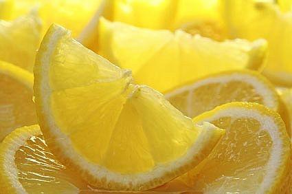 Лимонный сок обладает множеством удивительных качеств
