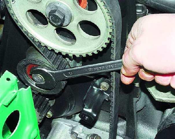 Как сделать замену ремня генератора в автомобиле самостоятельно?