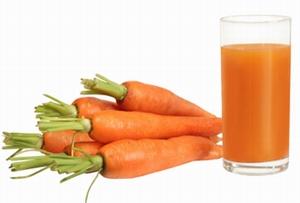 Как свежевыжатые соки укрепляют организм человека