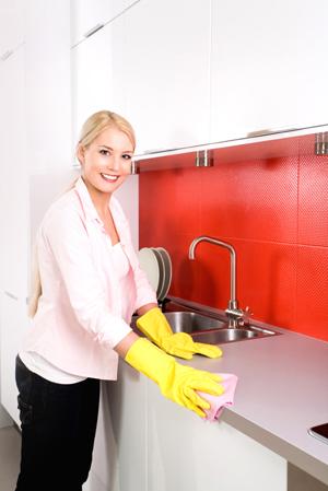 Как правильно почистить мебель в домашних условиях?
