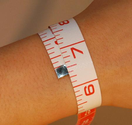 Определите ваши природные габариты, измерив свое запястье