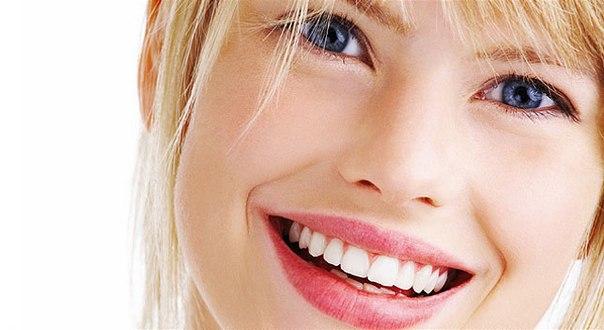 Как отбелить зубную эмаль натуральными средствами?