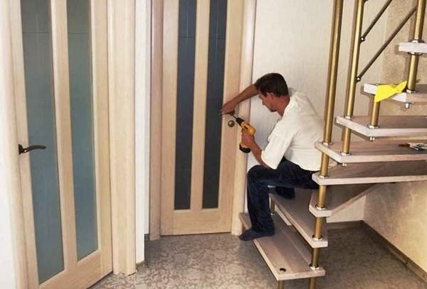 Как снять размеры межкомнатной двери для ее замены