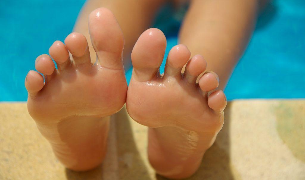 Как добиться эффекта «пяток младенца» в домашних условиях - Пилинг кожи ног