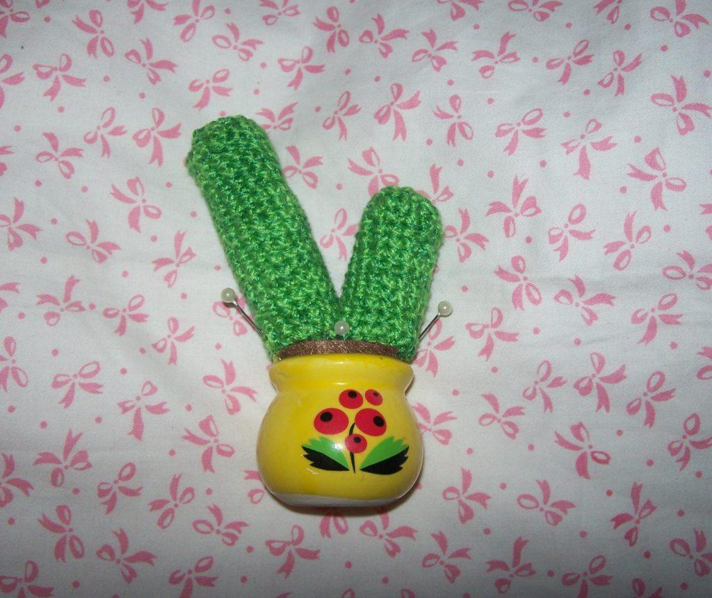 Как создать кактус-игольницу своими руками