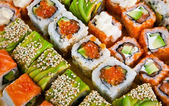 Как узнать про выгодные акции на суши и роллы в Хабаровске