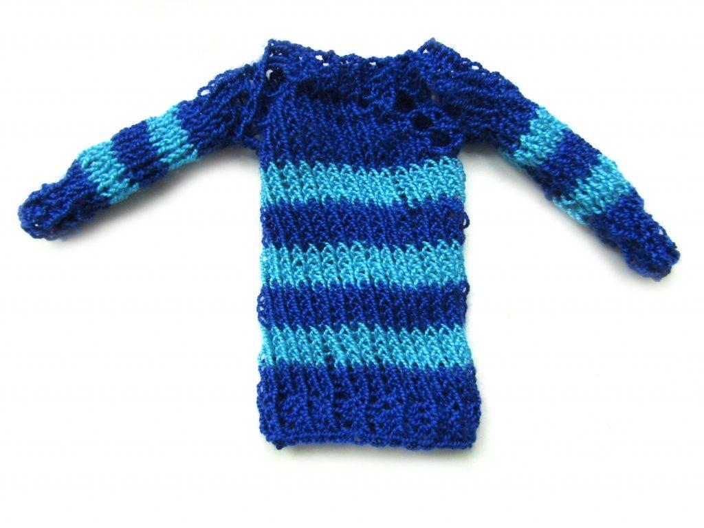 Как связать полосатый свитер для куклы Барби