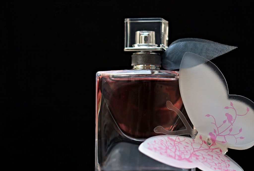Как купить, носить и хранить парфюмерию