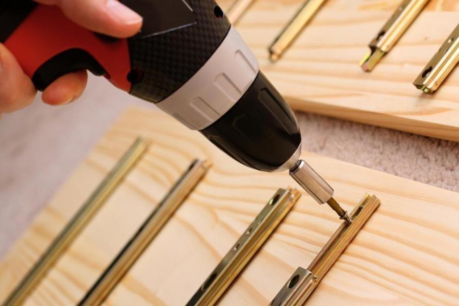 Как узнать про мебельные болты и все о них